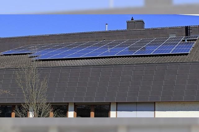Der Werkhof holt sich Strom vom Dach