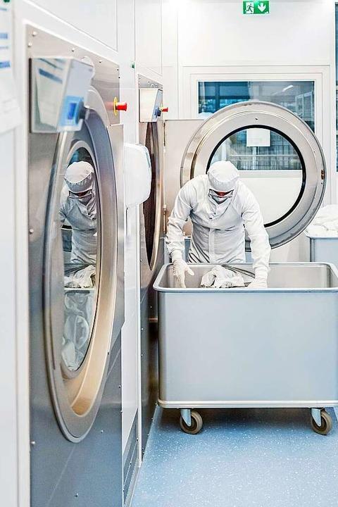Bei Geiger wird täglich auch Infektion...elten höchste Sicherheitsvorkehrungen.  | Foto: Geiger Textil