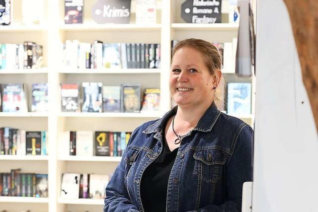 Buchhändlerin Alexandra Stein freut sich über Kunden, die Mut machen