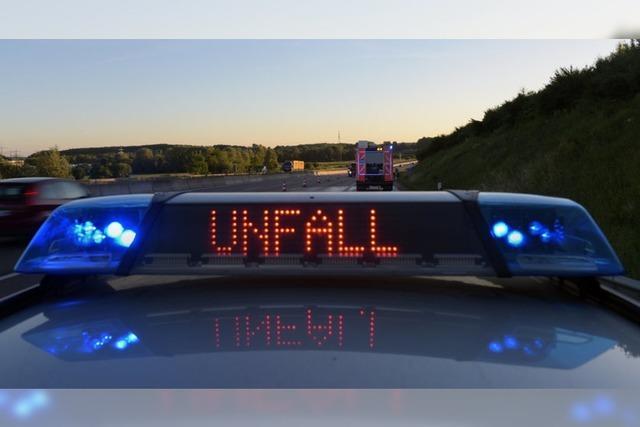 Junger Autofahrer verunglückt schwer auf der B 315