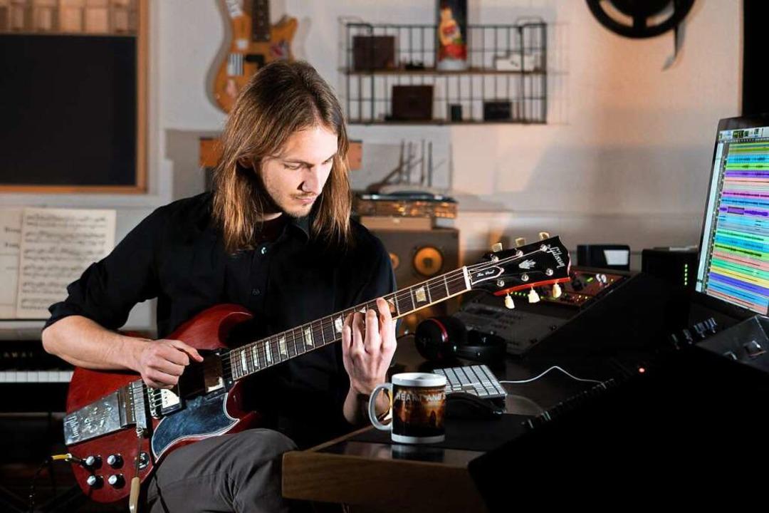 Maik Styrnol ist Filmkomponist und Ton...zehn verschiedenen Ländern produziert.  | Foto: Privat