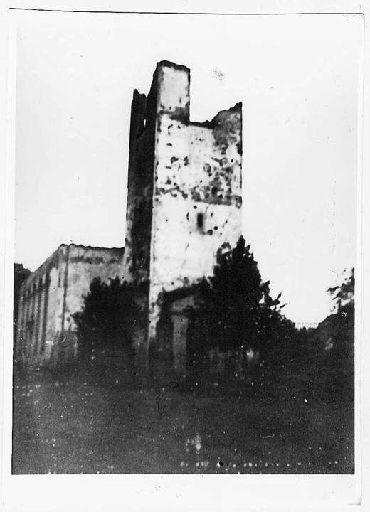 Von der Weinbrennerkirche blieb nur eine Ruine.    Foto: Repro: Jürgen Stude
