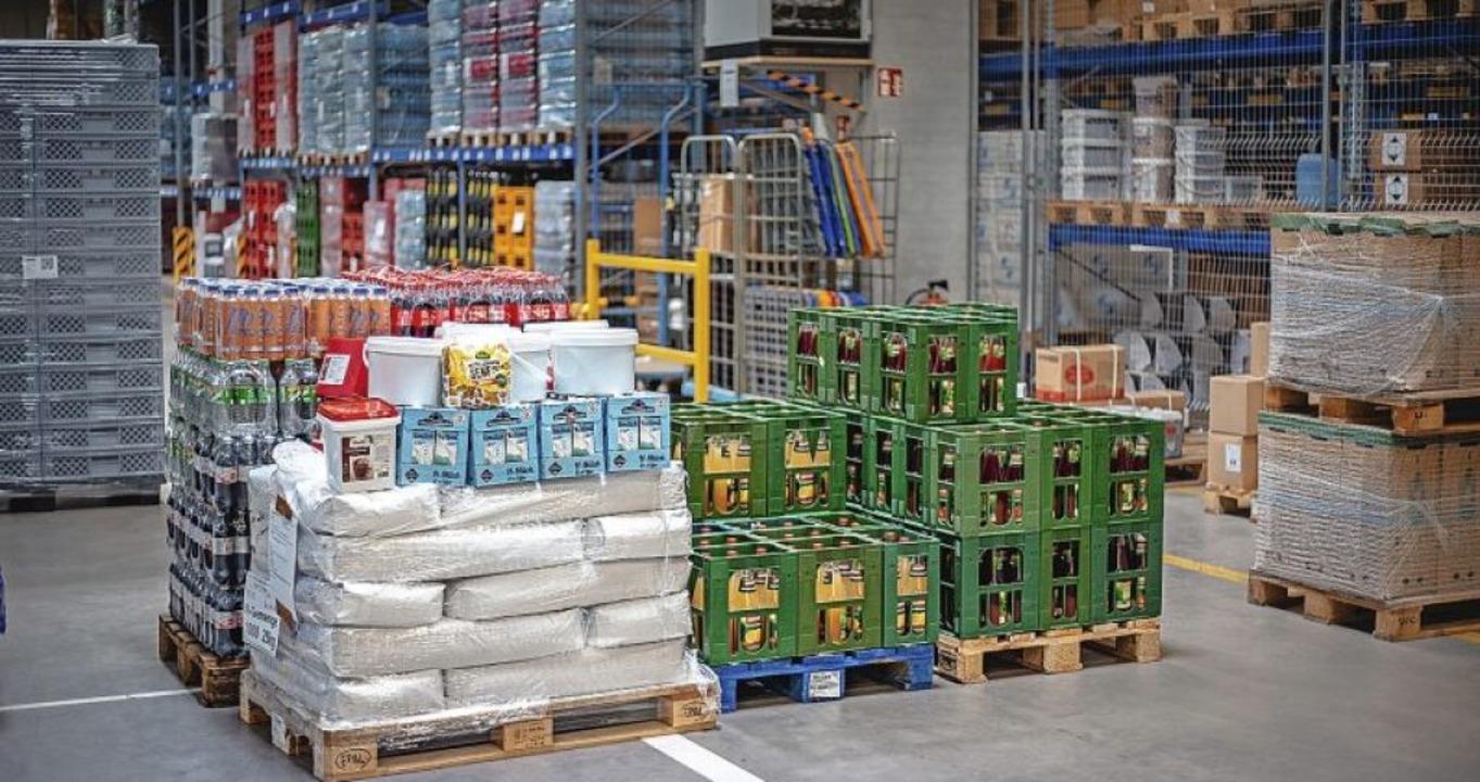 Im Logistikzentrum  stehen die Lebensmittel bereit.   | Foto: Europa-Park