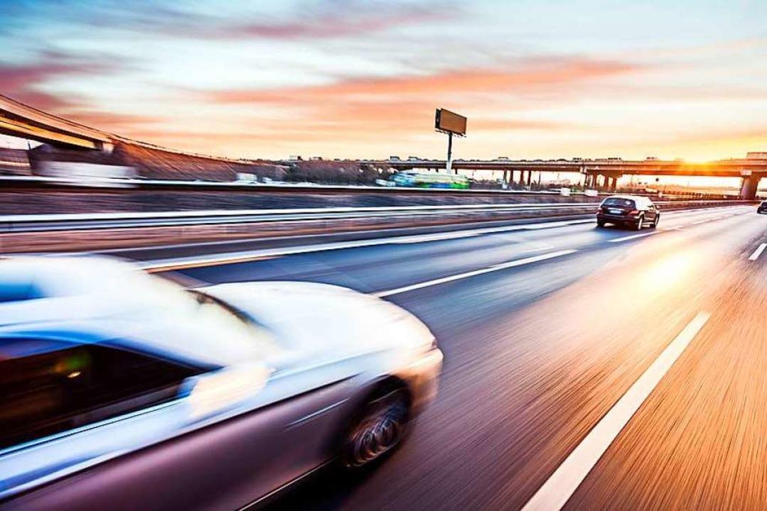 Am Kaiserstuhl stellten Beamte am Donn...es illegalen Autorennens (Symbolbild).    Foto: 06photo - Fotolia