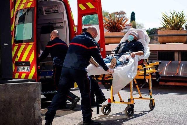 Newsblog: In Frankreich sterben an einem Tag 588 Menschen an Covid-19