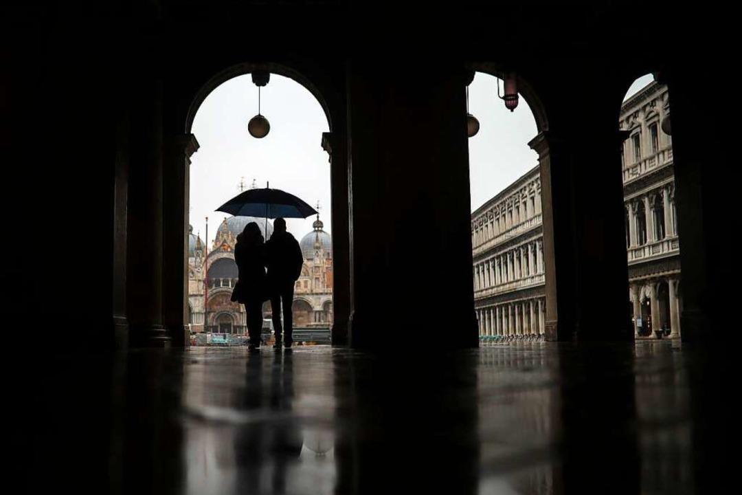Der Markusplatz ist normalerweise voll...unsthalle Messmer in Riegel sind leer.    Foto: Francisco Seco (dpa)