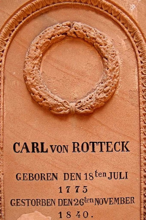 Carl von Rottecks Grab auf dem Alten Friedhof.  | Foto: Hans Sigmund