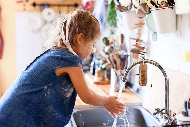 So klappt's beim Kochen mit Kindern mit der Hygiene