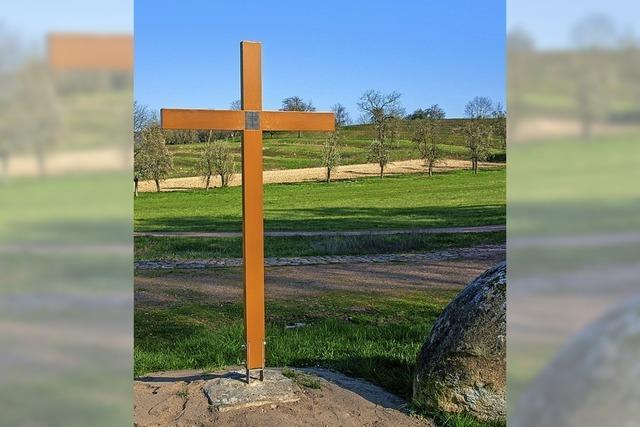 Ein neuer Platz für das Ministranten-Kreuz