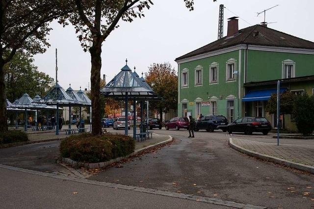 Baustelle an der Westseite des Müllheimer Bahnhofs wird eingerichtet