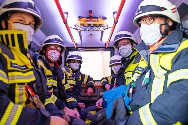 Die Feuerwehr Müllheim ist jetzt mit selbstgenähten Masken unterwegs