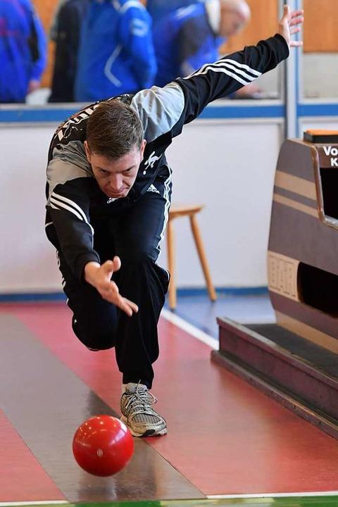 Der Beste: Kai Osswald zählt zu den To...-Keglern in der Verbandsliga Südbaden.  | Foto: Achim Keller