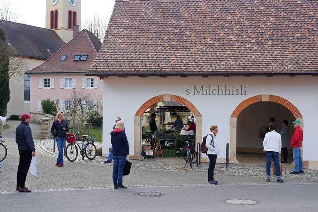 Der Markt ist auch in Zeiten von Corona Mittelpunkt des Dorflebens