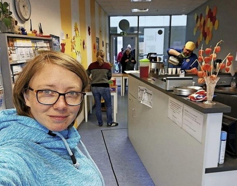 Linda Dreier vom Légère kocht für die Bahnhofsmission.    | Foto: Linda Dreier