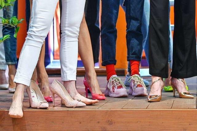 Video: In der Kleiderei in Freiburg kann man sich faire Mode leihen