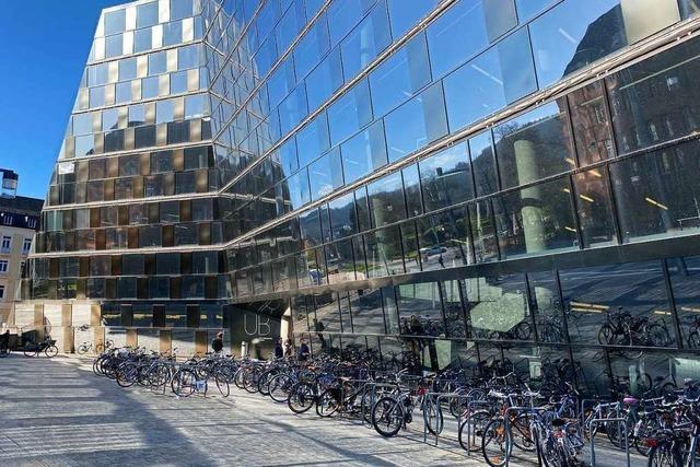 UB Freiburg bietet kostenlosen Scan-Service und kostenpflichtigen Buchversand an