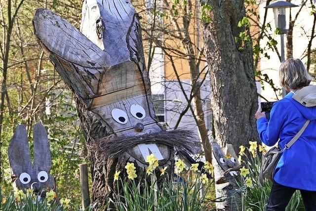 Die Bauhof-Osterhasen sind beliebte Fotomotive