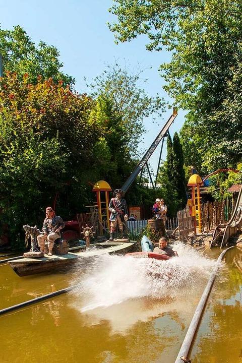 In dem kleinen Freizeitpark gibt es allerhand Attraktionen.  | Foto: Olaf Michel