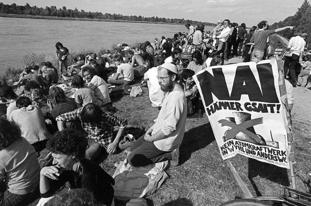 Eine Demonstration im September 1983 gegen das geplante Kernkraftwerk Wyhl.  | Foto: Verwendung weltweit, usage worldwide
