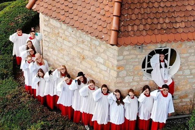 Ministranten in Ehrenstetten bringen das Osterlicht nach Hause