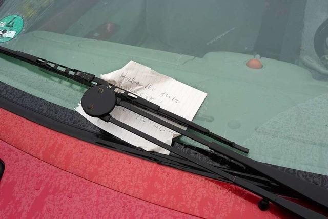 Zettel am Auto reicht nicht – Polizei ermittelt wegen Unfallflucht