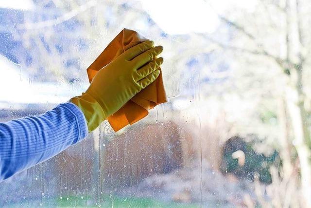 Warum gibt es beim Fensterputzen hässliche Striemen und wie kann man sie vermeiden?