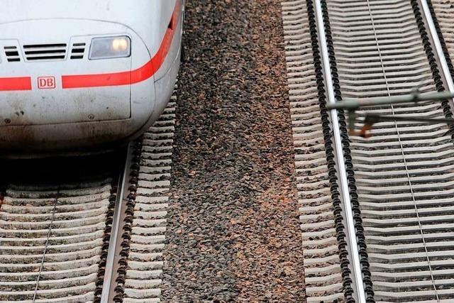 Bahnverkehr auf der Rheintalstrecke läuft nach Unfall wieder planmäßig