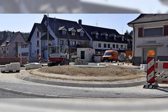 Bau des Kreisverkehrs bald abgeschlossen
