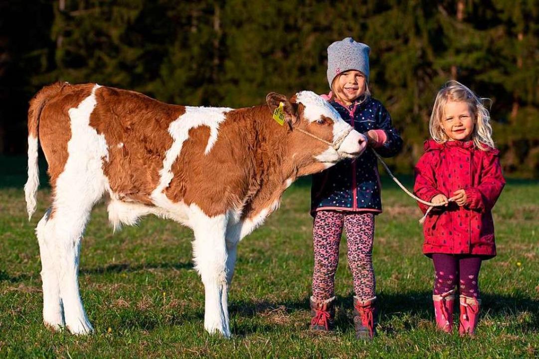 Die Kinder freuen sich über den tieris...of der Familie Bündert in Wittlekofen.    Foto: Wolfgang Scheu