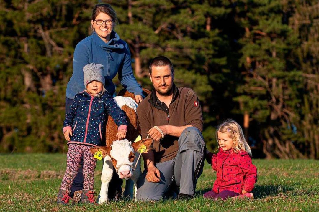 Familie Bündert freut sich über den ti...bchen ist gerade einmal drei Tage alt.    Foto: Wolfgang Scheu