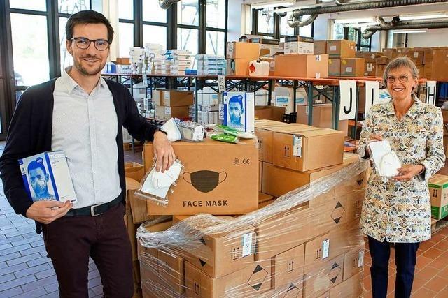 Lieferung von Schutzmasken in Freiburg eingetroffen