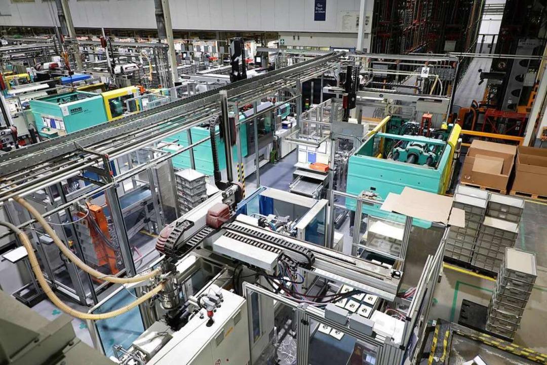 Die Produktion wird zurückgefahren: Bei Grohe in Lahr wird kurz gearbeitet.  | Foto: Christoph Breithaupt