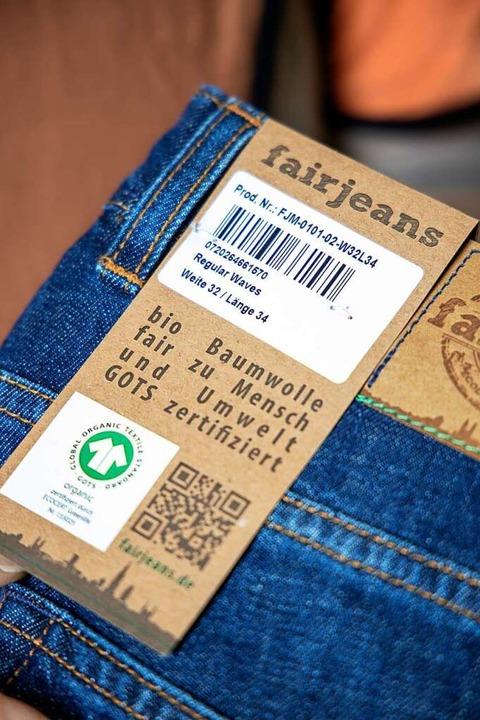 Das GOTS-Siegel auf einer Jeans   | Foto: Joss Andres