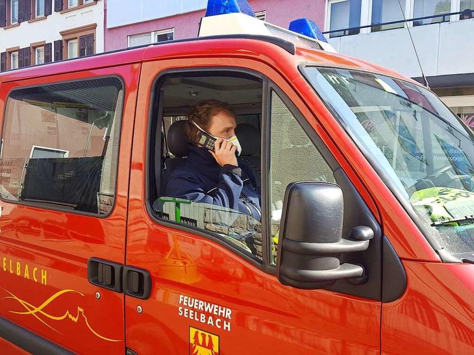 Jonas Jost von der Feuerwehr Seelbach ...lkerung, an Ostern zuhause zu bleiben.  | Foto: Beate Zehnle-Lehmann