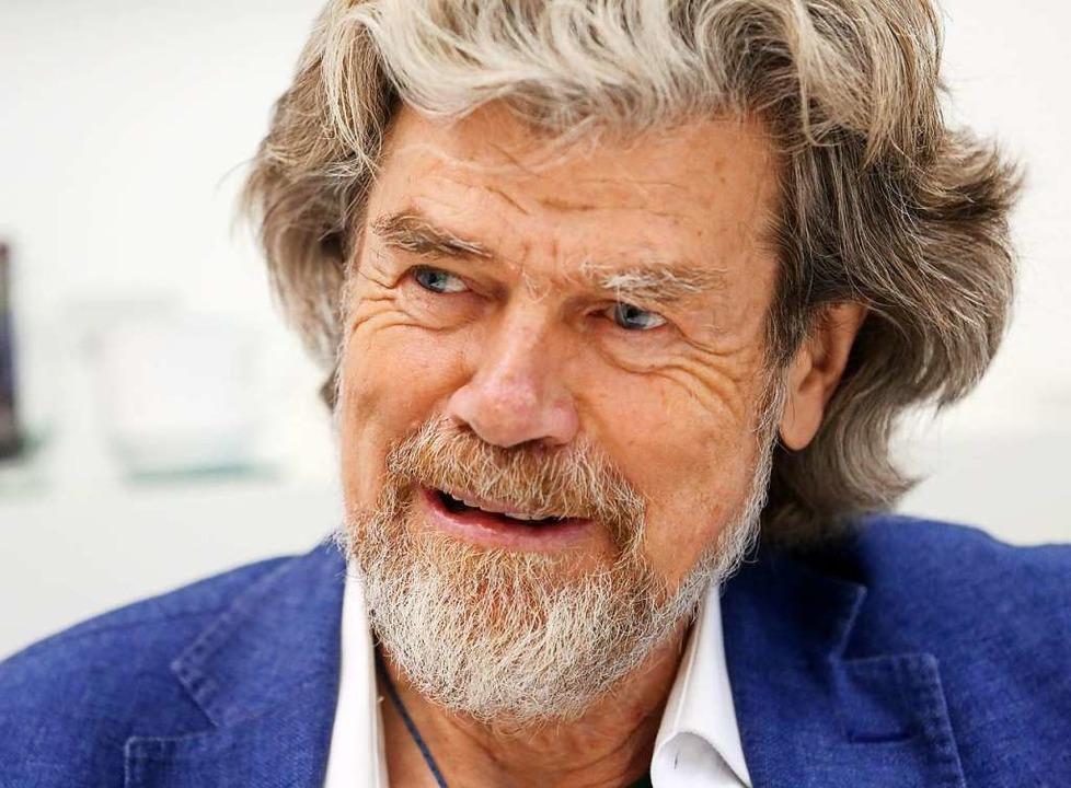 Er hat die höchsten Berge der Welt erk... zuhause zu bleiben: Reinhold Messner.  | Foto: Roland Weihrauch (dpa)