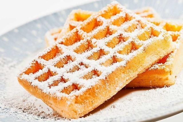 Waffeln, Quark und Pfannkuchen: Mineralwasser macht Desserts cremig
