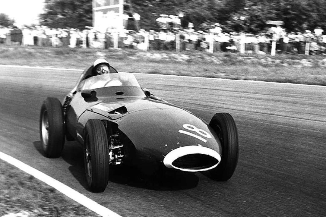 Imola, 1957: Formel 1-Rennfahrer Stirl...um Sieg beim Großen Preis von Italien.    Foto: - (dpa)