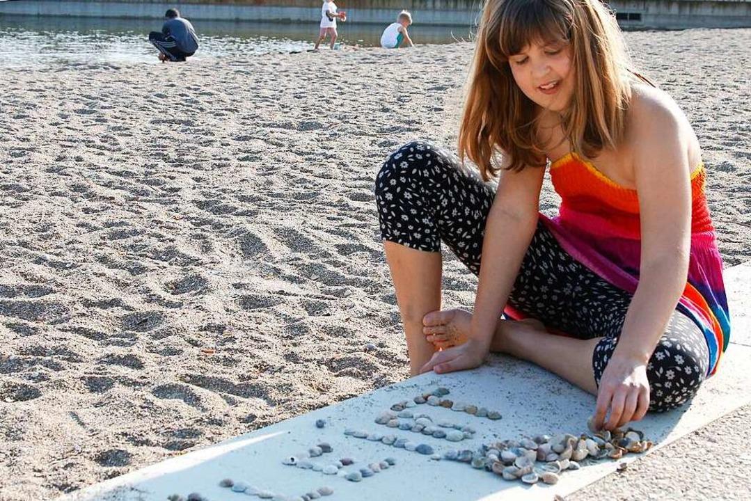 Muscheln sammeln an Karfreitag im Seepark  | Foto: Heidi Fößel