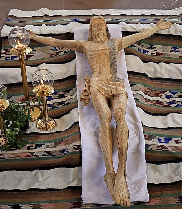 Eine Christusfigur aus Holz zierte am ...den Altarraum der Breitnauer Kirche.    | Foto: Dieter Maurer