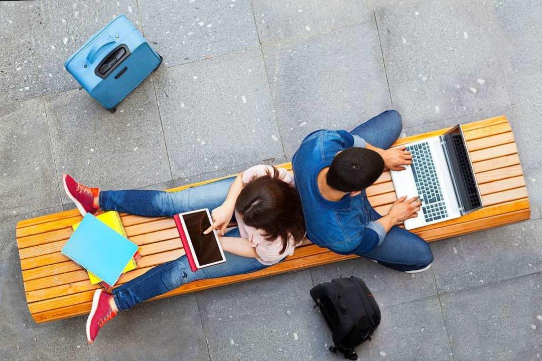 Lernen mit Laptop und Tablet.    Foto: cristovao31  (stock.adobe.com)