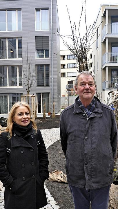 Cihan Saygin und Rüdiger Arendt in dem noch etwas kahlen Olga-Hof  | Foto: Jens Schmitz