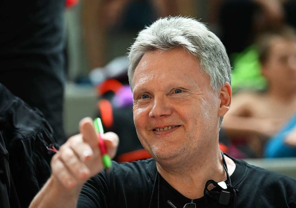 Verordnete seinen Schwimmern Heimarbeit: Trainer Bernd Pinkes  | Foto: Patrick Seeger