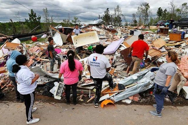Unwetter und Tornados im Süden der USA fordern Dutzende Menschenleben