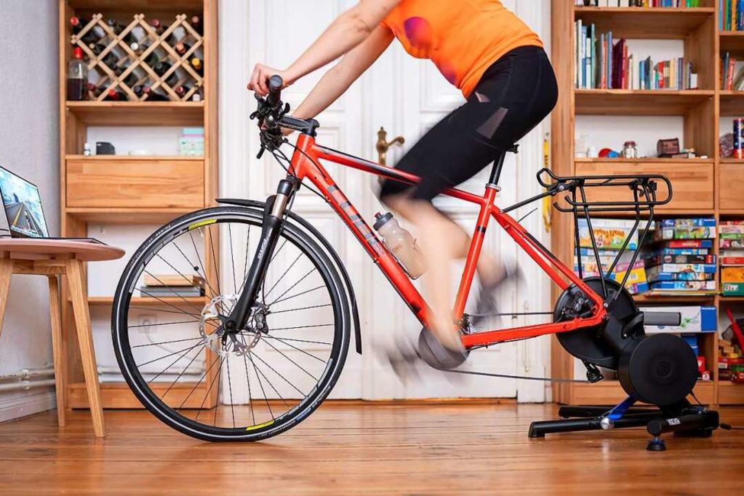 Gegen Fitnesstraining in den eigenen v...t man besser nicht in die Ruhestunden.  | Foto: Florian Schuh (dpa)