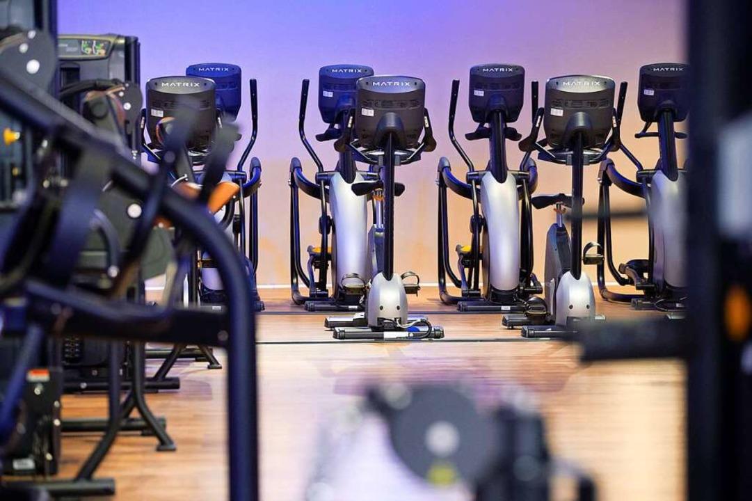Zahlungen an das Fitness-Studio: Mitgl...solange ein Sportclub geschlossen hat.  | Foto: Jonas Walzberg (dpa)