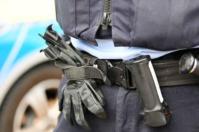 22-Jähriger schlägt in Waldshut einem Polizisten ins Gesicht