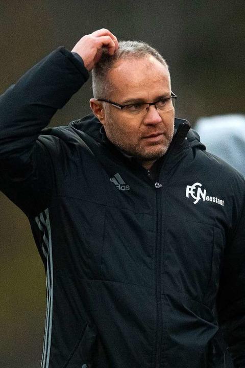 Skeptisch: Zeljko Cosic glaubt nicht, dass die Saison noch zu retten ist.   | Foto: Wolfgang Scheu