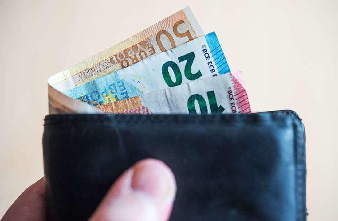 Ein Dieb scheiterte mit dem Versuch, d...en Geldbeutel zu stehlen (Symbolbild).  | Foto: Lino Mirgeler (dpa)