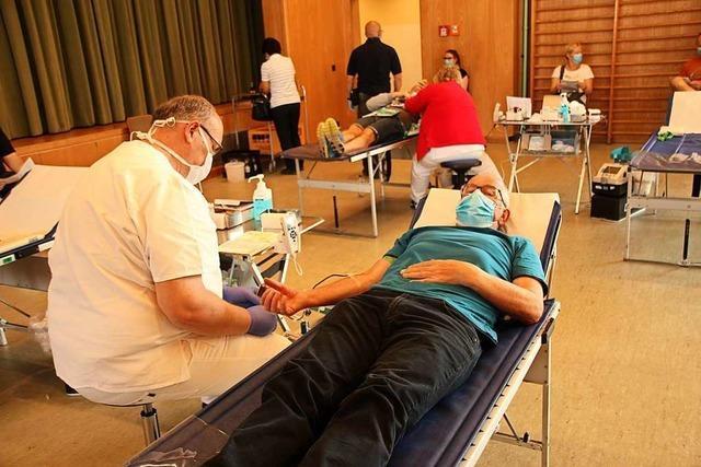 Bötzinger Blutspender nehmen Corona-Schutzauflagen gelassen hin