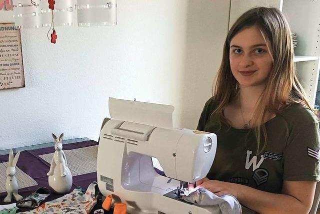 15-jährige Freiburgerin näht Kleidung für Frühchen und Sternenkinder